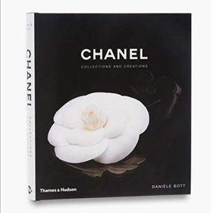Chanel 💯 Authentic